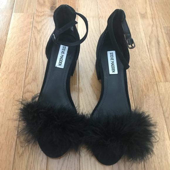 13c7d572adaa Steve Madden Imelda Feather Block-Heel Sandals. M 5b5fa758dcf85569af2a02e8